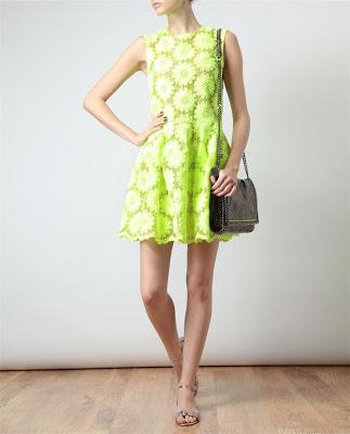 vestido color verde neon moda juvenil